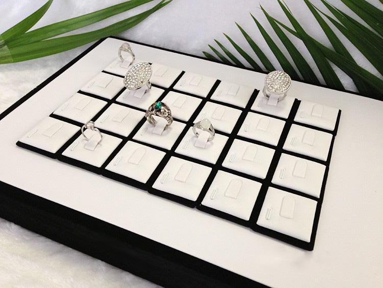 High Quality jewelry display ring plates balck and white pu tray ring display holder jewellery stand