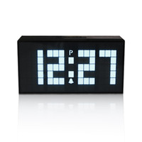 Big LED Display Big Digital Snooze Alarm Clock Desk Wall Electrica Clock avec calendrier de température Luminous Table Clock