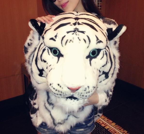 tiger backpack gold