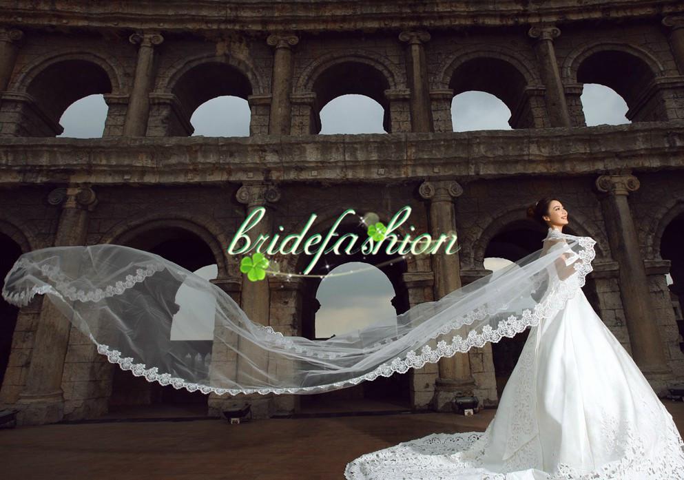 Hızlı kargo! Gelin Veils Vintage uzun Renkli Tül Düğün Gelin Peçe Chaple Uzunluğu Iki Katmanlı Aplike