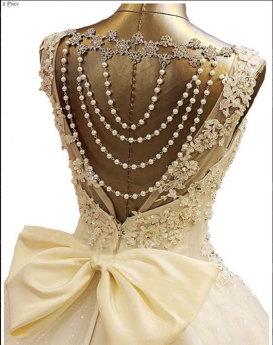 2019 neue Bling Kristall Brautkleider Scoop Appliques Perlen Backless Pearl Bows Ballkleid Gericht Zug Spitze Tüll Luxus Benutzerdefinierte Brautkleider