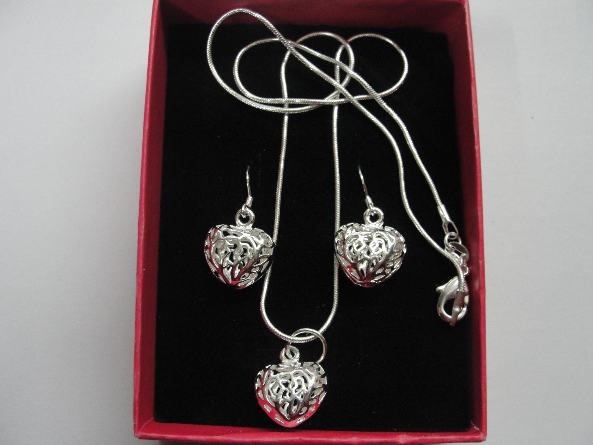 bestes Geschenk 925 silberne Ohrringe höhlen Herzanhänger-Schlangenkette Halskette + Ohrringe stellten / ein