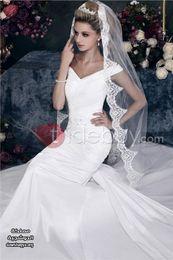Wholesale Beaded Veil Fingertip - 2015 Vintage White Ivory Wedding Bridal Veils One Layer Tulle Medium Length Tulle Lace Appliques Beaded EC02