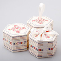 Wholesale Christmas Cupcake Gift Boxes - Dia 14*9cm Hexagon Christmas Snowflake West Point Candy Paper Box Color Gift Packaging Party Favors 50pcs lot CK035