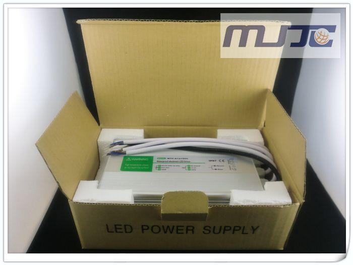 Högkvalitativ 12V DC 12.5A 150W Vattentät elektronisk LED-drivrutin, LED-strömförsörjning, LED-transformator IP67 av DHL