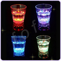 Wholesale Led Barware Wholesale - Water Activated Color Change Flash Light LED Light-Up blinking Rocks Glass Barware Lamp Wine Whisky Shot Glass Cup For Bar Club 30pcs