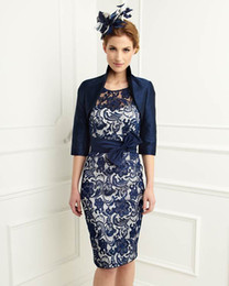 $enCountryForm.capitalKeyWord NZ - Navy Blue Satin Lace Mother of the Bride Dresses Bow Knee Length Sheath Scoop With 3 4 Sleeves Jacket Mother Dress Plus Size New