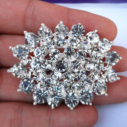 Wholesale sell wedding bouquets - Silver Plated Alloy Luxury Bright Clear Austria Zirconia Crystals Bouquet Brooch Pin For Bridal Hot Selling Wedding Card Pins Jewelry