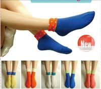 calcetines de color caramelo al por mayor-Moda de invierno Calcetines Calcetines de Algodón de Color Caramelo Lindo Punto de Onda Flanging Calcetines Cortos Calcetines de las mujeres envío gratis