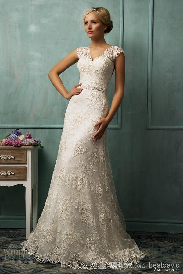 Sweetheart Short Sheath Lace Wedding Dress