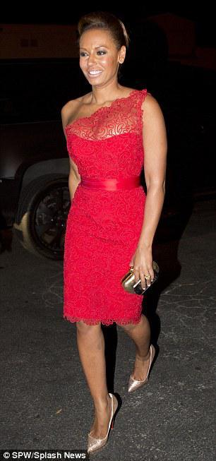 Kändis röd matta klänningar en axel mantel knä längd sexig röd spets formell kvällsklänningar prom klänningar