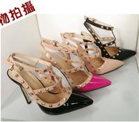 chaussures de chaussures chaudes pour filles achat en gros de-Hot chaussures femme parti mode rivets filles sexy bout pointu talons hauts chaussures boucle plate-forme pompes chaussures de mariage