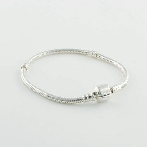 925 Sterling Silver Starter Charm Armband med märkeslås för europeiska charmar och pärlor