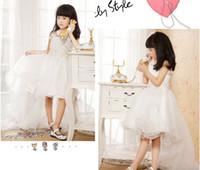 muhteşem kızlar baş toptan satış-Hi-lo Spagetti Kayışı Sevimli Muhteşem Ruffles A-line Beyaz Yay Inci Organze Çiçek Kız Elbise