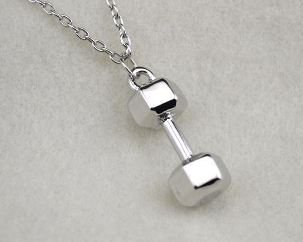 Gratis frakt mode 10st mycket rhodium pläterad skönhet sport hantel kedja halsband