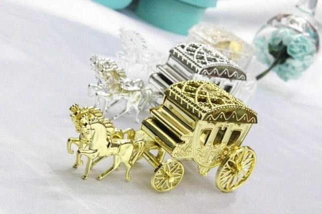 European Styles Romantic Wedding Candy Boxes Golden Carriage Candy Bags Wedding Holder Favor