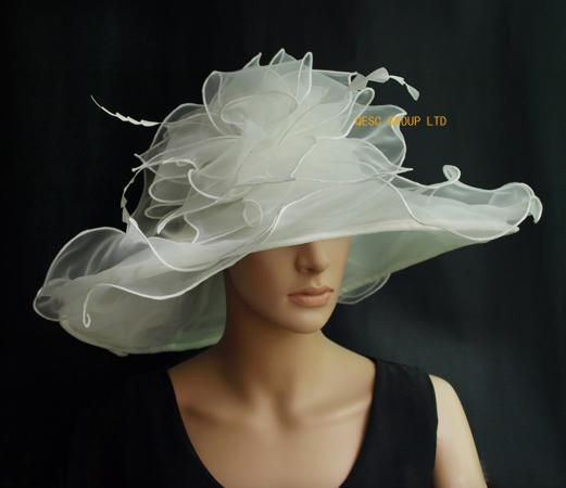 top popular Ivory Big Organza Hat Church hat,Bridal Hat fascinatwith feathers for wedding,party,kentucky derby.brim width 15.5cm. 2019