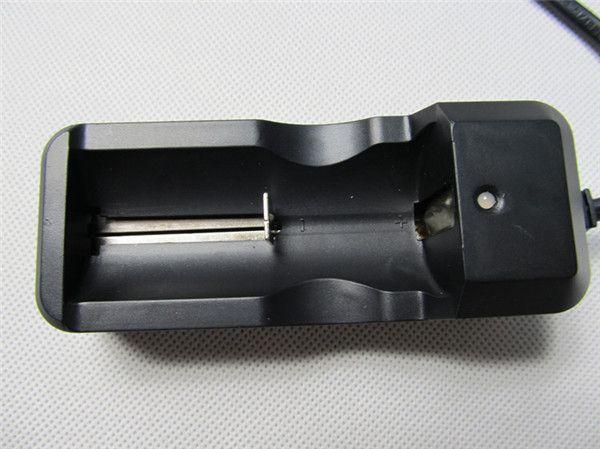 14500 26650 16340 18650リチウムイオン電池EUの充電器のシングルチャージャ普遍的な充電式バッテリー充電器3.7V ECIG懐中電灯DHL