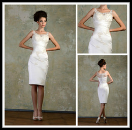 Wholesale Knee Length Sexy Trumpet Wedding - Sexy Ivory Scoop Sheer Short Tumpet Wedding Dresses Knee Length Lace Applique Sleeveless Formal Women's Dress Bridal Gowns Zipper