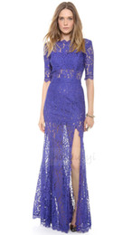 Vente en gros Livraison gratuite Low V back et charme de luxe discret et habiller split robe de dentelle