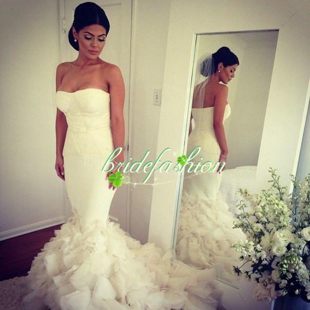 2014 New Arrive Sexy Mermaid Backless Wedding Gowns Sleeveless Applique Strapless Tulle Sweep Train Castle Berta Bridal