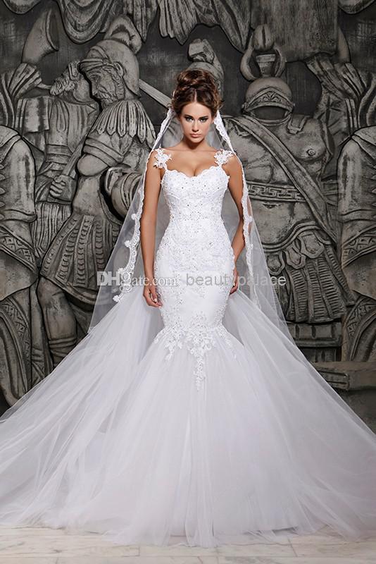 Sexig Luxury Backless Lace Sheer Tulle A-Line Bröllopsklänningar Täckt Knapp Spaghetti Straps Vinter Bröllop Aftonklänning