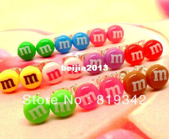 Free Shipping 20pcs ( 10pairs ) Color 8MM Letter M FUNKY MINI CANDY EARRINGS CUTE KITSCH RETRO SWEET POP KAWAII STUD JUNK FOOD