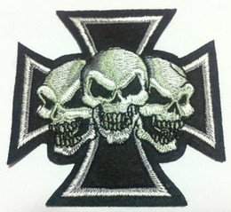 Wholesale Iron Patches Skulls - Wholesales~10 Pieces Three Head Skull And Cross (6.5 x 4.5 cm) Cool Patch Embroidered Iron on Applique Patch (P)
