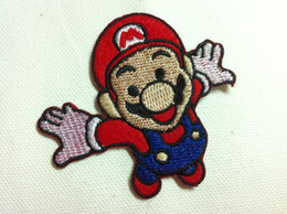 Mario Applique Pas Cher-Vente en gros ~ 10 pièces Cartoon Flying Super Mario Badge (7 x 6,5 cm) enfants Patch brodé fer sur Applique Patch (ALG)