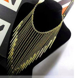 Picos Calientes Baratos-Fashion Individual New Style Gold y Antique Brass Color Aleación Exagerado Spike Rivet Tassel Necklaces Collar Punk para las mujeres Hot sale