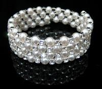 perle manschette armband braut großhandel-4Rows Clear Sparkle Strass Perle elastisches Armband Manschette für Hochzeit Brautaccessoires