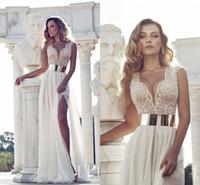 vestido dourado venda por atacado-Julie vino 2018 rendas vestidos de noiva com mangas cap ouro e mergulho pescoço cintura alta fenda frontal praia vestidos de noiva vestidos de noiva