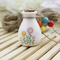 Wholesale Valentine Ceramics - Hand Painting Ceramic Perfume Bottle Essential Oil Pendant MINI Wishing Bottle Valentines Gift 10pcs lot DC233