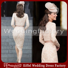 Wholesale Kate Middleton Short Lace Dress - Kate Middleton Dress Sheath Bateau Lace Cocktail Dresses Champagne Long Sleeves Knee Length Mother Formal Party Dress Short Gowns