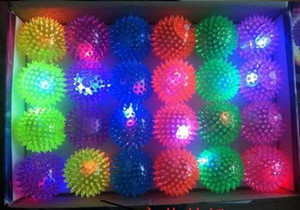 Wholesale Free shipping 12pcs lot 5.5cm rubber color changing light up bouncy ball led flashing toy led flashing puffer ball music ball