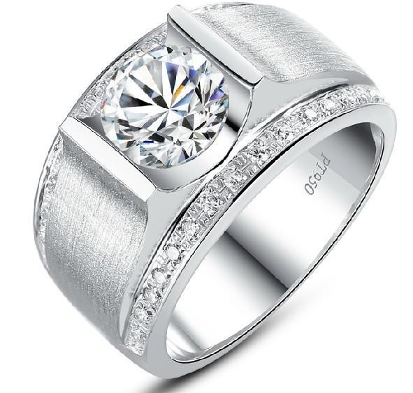 Оптовые 1ct Синтетические алмазные кольца ДКНБ для мужчин 925 Sterling Silver 18K позолоченный штампованные Pt950 Wedding Man Обручальное кольцо