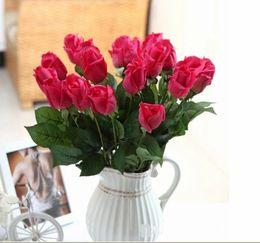 künstliche einzelne rosen Rabatt 100pcs / lot EMS 8 färbt künstliche Rosen, künstliche Blumen-Simulations-Rosen halb offene Feuchtigkeits-wirkliche Note einzelne Rosen-Hochzeits-Blume
