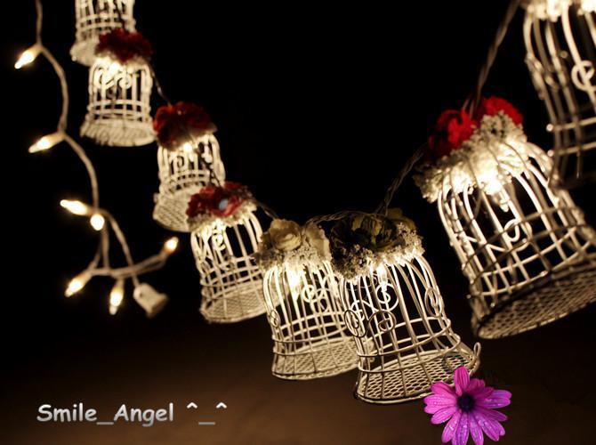 2021 Wedding Favor Boxes White Metal Bell Birdcage Shaped With Flowers Party Presentkartonger levererar högkvalitativa godislådor för gästerna