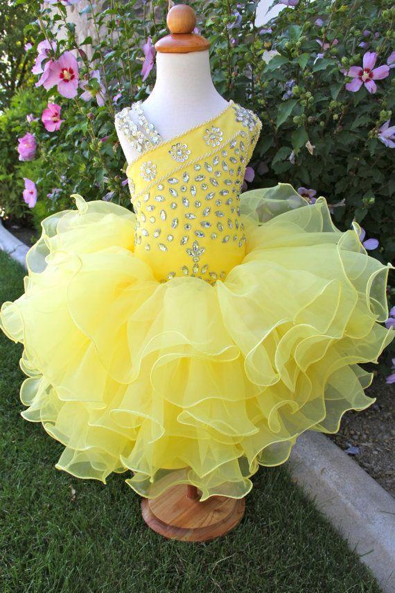 Güzel Sevimli Pageant Glitz Cupcake Pageant Elbiseler Toddler Kız Çiçek Organze Boncuklu Kabarık Sarı Elbise Dantelli