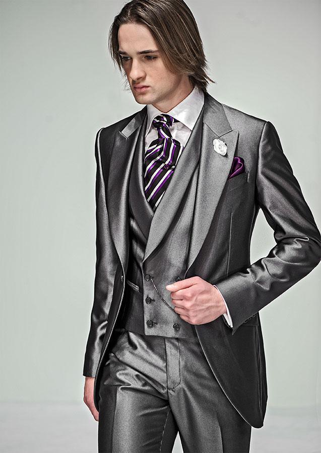 Trajes de boda por encargo del nuevo estilo Un botón del novio de esmoquin gris Mejor hombre pico solapa del padrino de boda del novio de los hombres + Pants + Tie + Vest Jacket J273