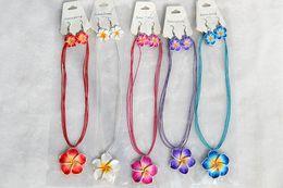 ÜCRETSIZ 12 takım / grup El Yapımı Polimer Kil FIMO çiçek Taklidi Ipek zincir kolye + küpe Yeni Seksi Moda Kadınlar Takı nx0010 nereden
