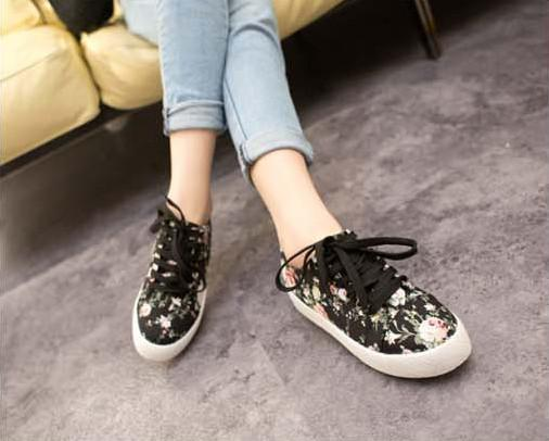 Buy Footwears stylish for girls picture trends