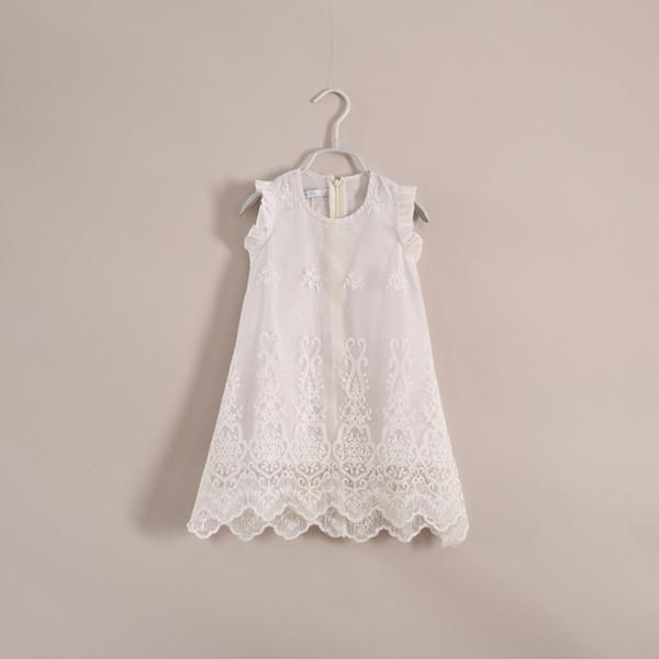 robes tonnantes blog robe blanche dentelle bebe. Black Bedroom Furniture Sets. Home Design Ideas