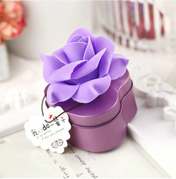 Wholesale Hearts Favor Box - 50Pcs Lot Big Flowers With Heart Tin Boxes 2014 Free Shipping Favor Holders Wedding Events Beautiful Style