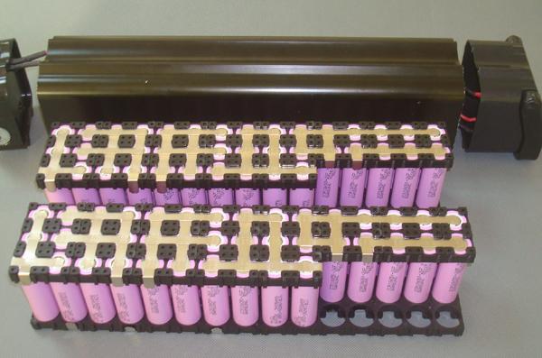 18650 Batterijhouder gebruikt voor cilindrische li-ion batterij 18650 celhouder Materiaal PA66 + GF30% UL94V0
