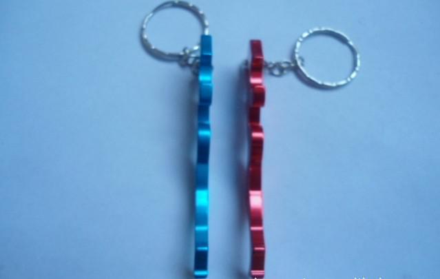 Décapsuleur en aluminium de belle couleur multi femme avec porte-clés pour des faveurs de mariage meilleur cadeau / livraison gratuite