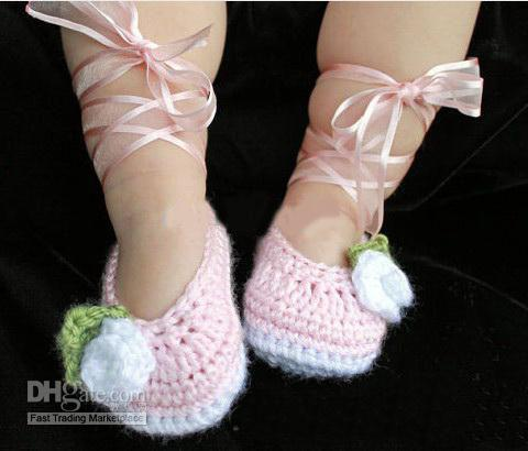 Ücretsiz Kargo El Yapımı Tığ Bale Ayakkabıları Bebek Patik Beyaz Tozlu Gül Pembe Bebek Çocuk ilk yürüteç ayakkabı pamuk ipliği 12 ADET