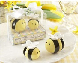 Wholesale Honeybee Shakers - 60Set Lot=120pcs lot Mommy and Me Sweet as Can Bee Ceramic Honeybee Salt & Pepper Shakers baby shower favors and gifts