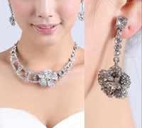 Wholesale vintage pearl clasps online - 2019 vintage Womens Fashion Wedding Dangle Earrings Crystal pearl Pendant Necklace Jewelry Set cheap in stock