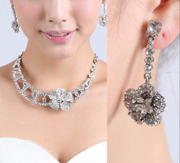 Heart Key Dangle Australia - 2019 vintage Womens Fashion Wedding Dangle Earrings Crystal pearl Pendant Necklace Jewelry Set cheap in stock free shipping 15081